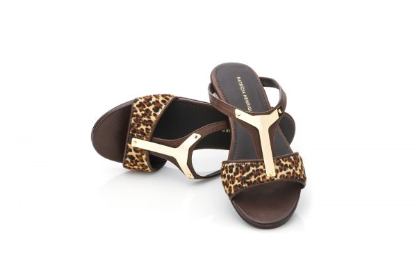 Flat Sandals – Gold Shield