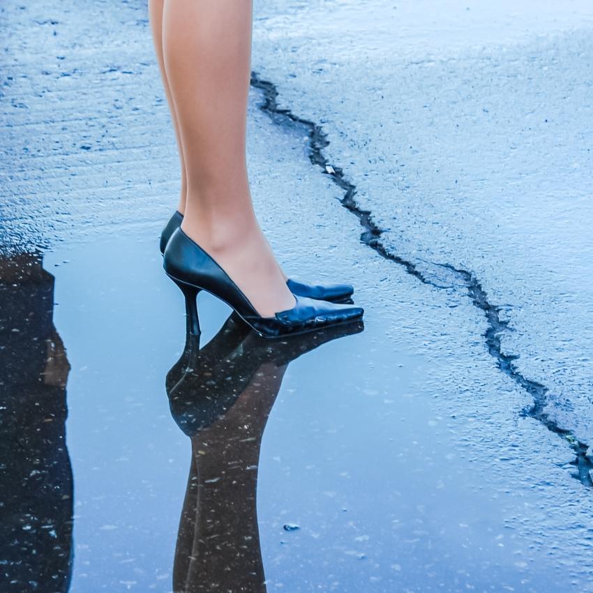 Usar os seus sapatos de luxo em tempo de chuva
